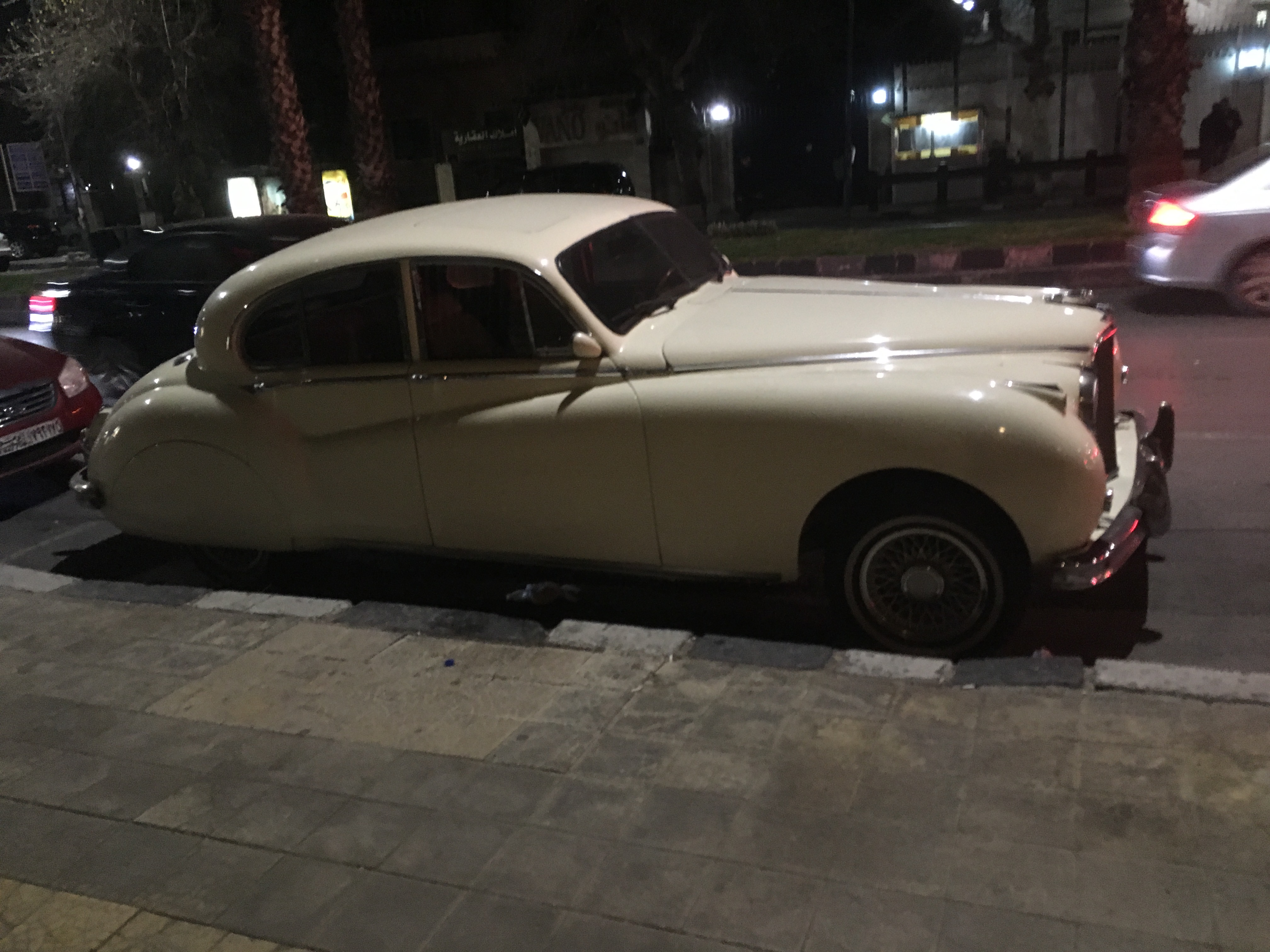 23. Damascus old car. Photo 03 03 2018 22.53.24
